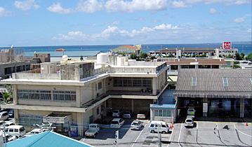 沖縄自動車整備振興会の建物の写真